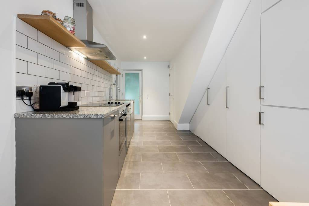<p>Lovelydays Luxury Rentals introduce this house in Notting Hill</p>