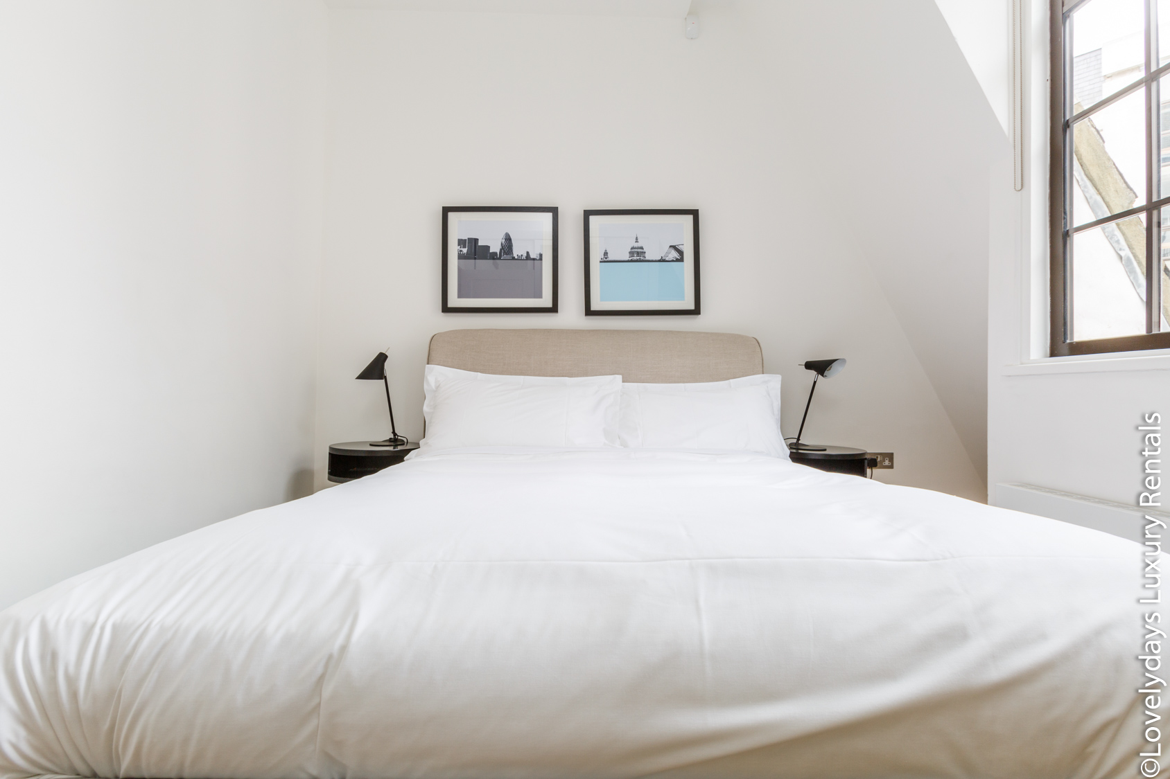 Lovelydays luxury service apartment rental - London - Covent Garden - Cockspur Street - Lovelysuite - 3 bedrooms - 2 bathrooms - Queen bed - 0d0781f1d411 - Lovelydays