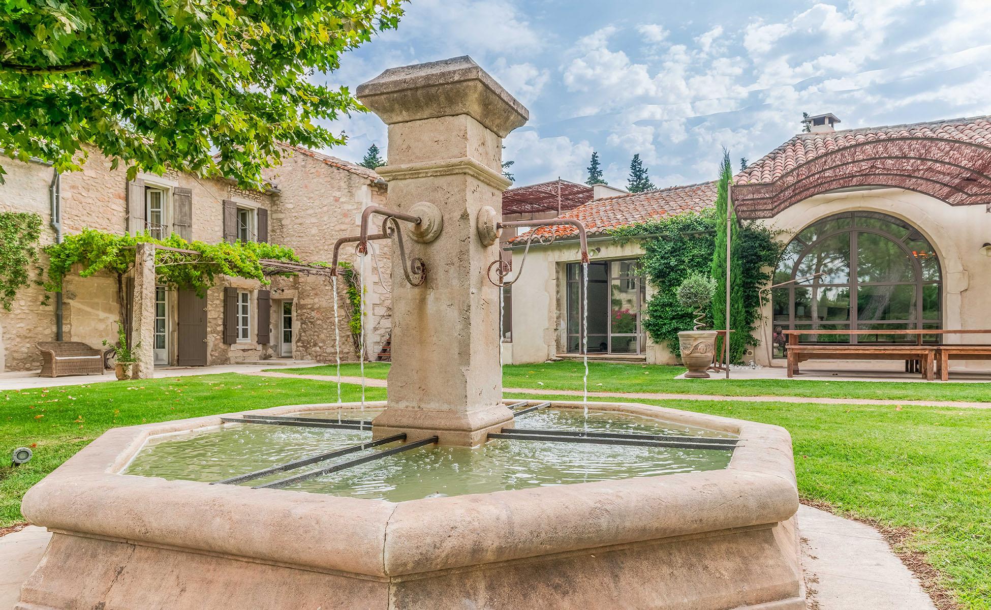 Lovelydays luxury service apartment rental - St Rémy de Provence and surroundings - Ameu Mas - Partner - 6 bedrooms - 6 bathrooms - Lovely garden - 9e06c77a23ce - Lovelydays