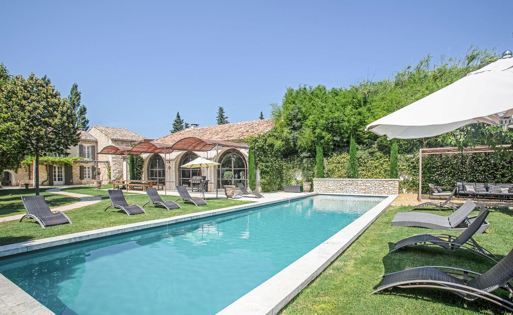 Lovelydays luxury service apartment rental - St Rémy de Provence and surroundings - Ameu Mas - Partner - 6 bedrooms - 6 bathrooms - Outside swimming pool - 894318d88a39 - Lovelydays