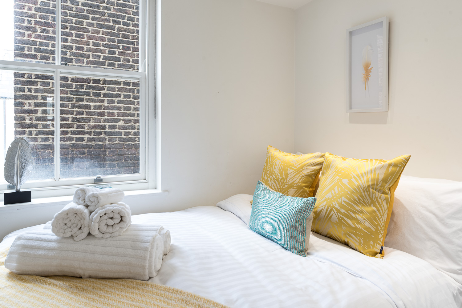 Lovelydays luxury service apartment rental - London - Fitzrovia - Foley Street II - Lovelysuite - 2 bedrooms - 2 bathrooms - Double bed - 5d3c90f07d03 - Lovelydays
