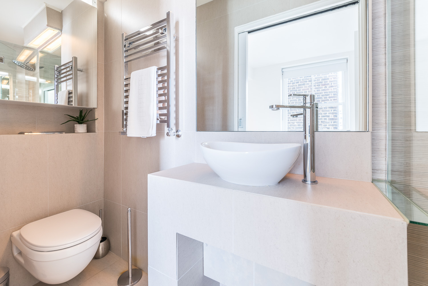 Lovelydays luxury service apartment rental - London - Fitzrovia - Foley Street II - Lovelysuite - 2 bedrooms - 2 bathrooms - Lovely shower - bc190107ef0a - Lovelydays