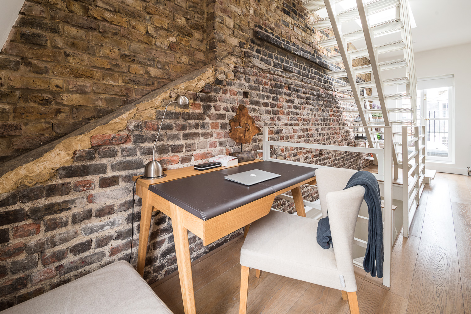 Lovelydays luxury service apartment rental - London - Fitzrovia - Foley Street II - Lovelysuite - 2 bedrooms - 2 bathrooms - Working desk - ce15d0746e16 - Lovelydays