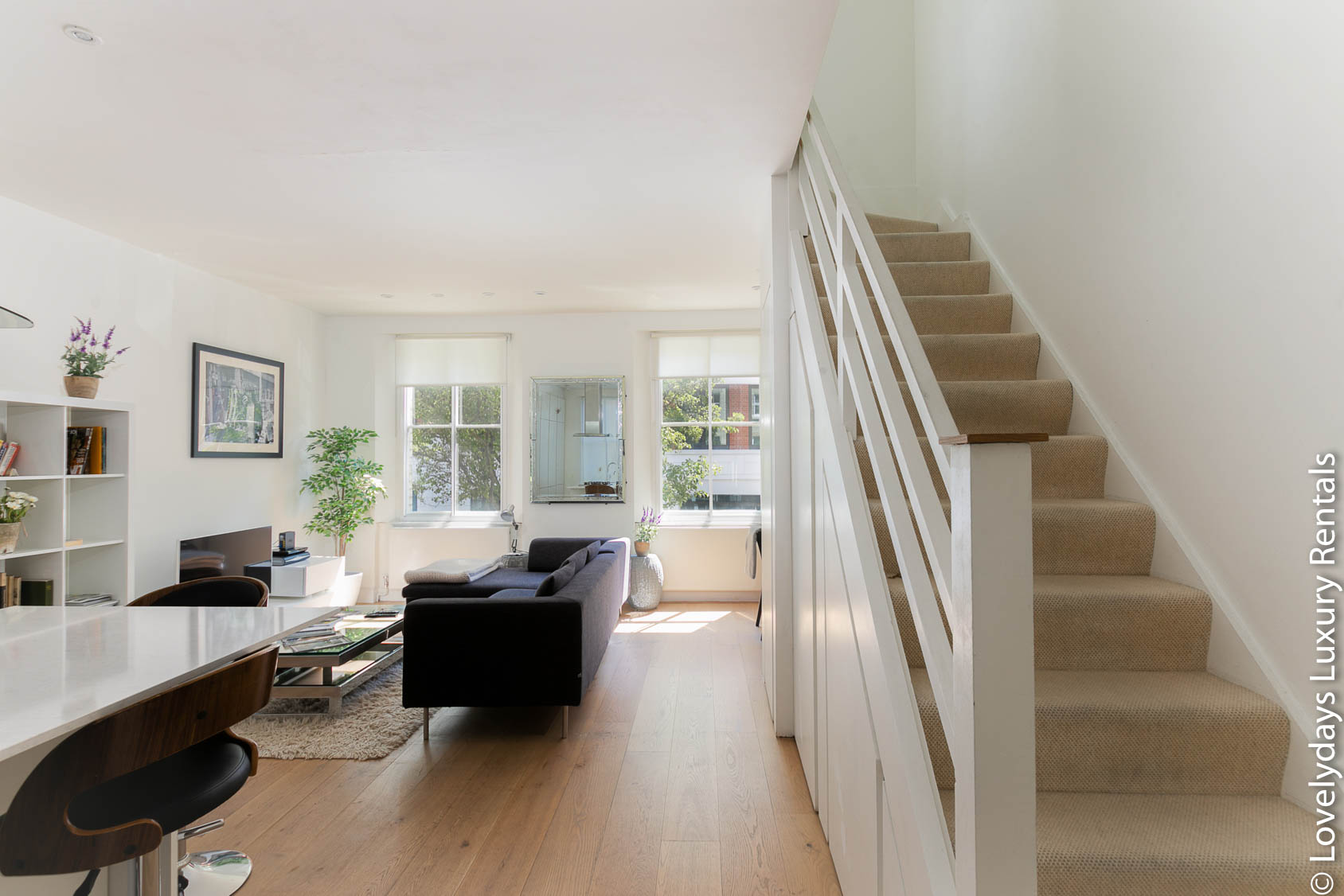 Lovelydays luxury service apartment rental - London - Fitzrovia - Foley Street - Lovelysuite - 2 bedrooms - 2 bathrooms - Double living room - f14922f7699f - Lovelydays