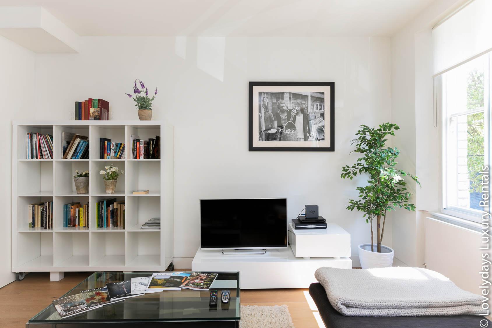 Lovelydays luxury service apartment rental - London - Fitzrovia - Foley Street - Lovelysuite - 2 bedrooms - 2 bathrooms - TV - 86d9c3a1fb33 - Lovelydays