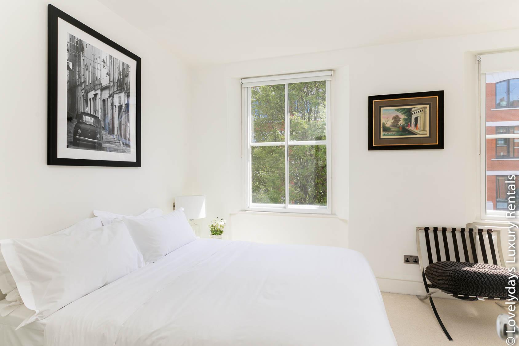 Lovelydays luxury service apartment rental - London - Fitzrovia - Foley Street - Lovelysuite - 2 bedrooms - 2 bathrooms - Double bed - 5403f06a5b87 - Lovelydays
