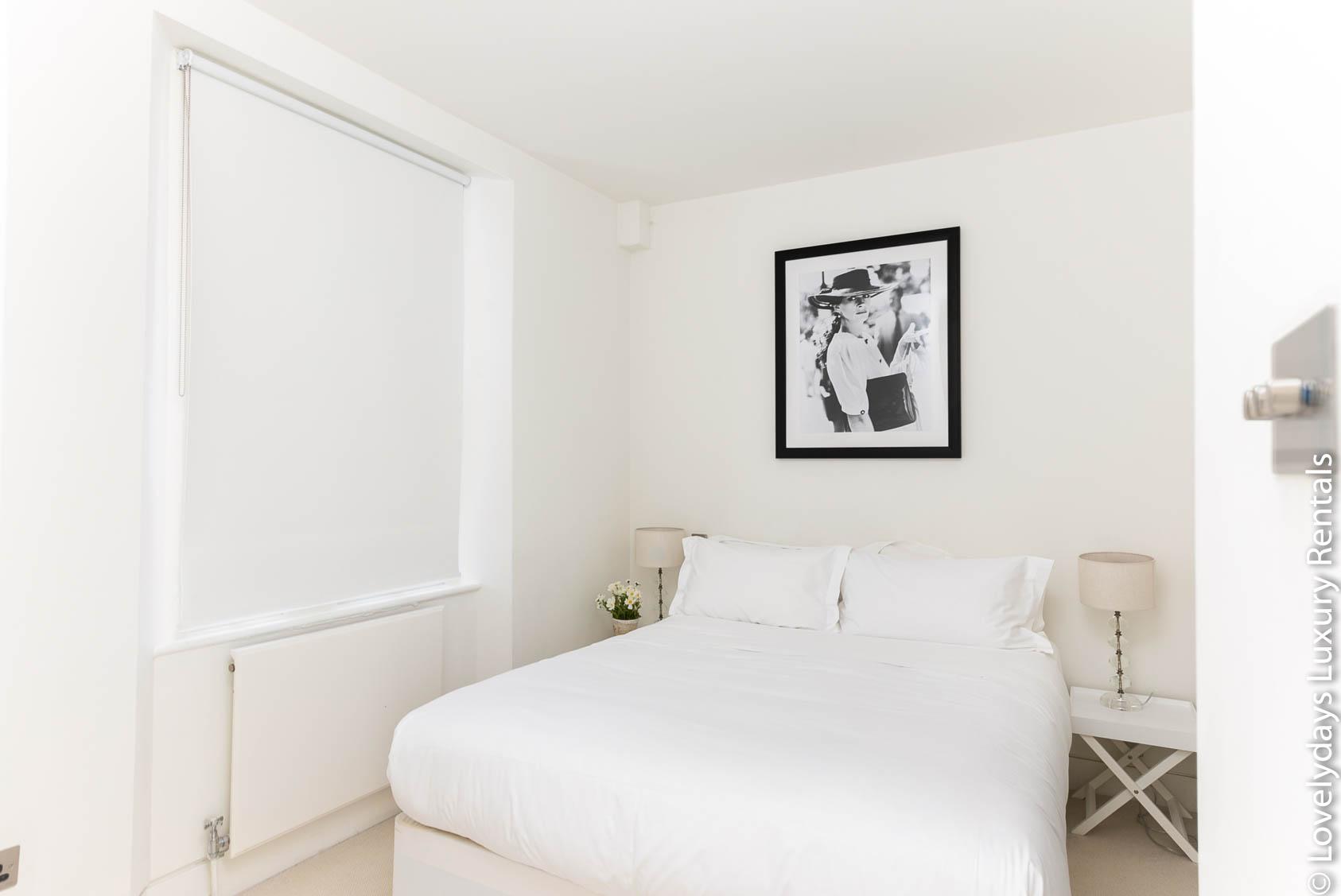Lovelydays luxury service apartment rental - London - Fitzrovia - Foley Street - Lovelysuite - 2 bedrooms - 2 bathrooms - Double bed - c754d0ec9984 - Lovelydays