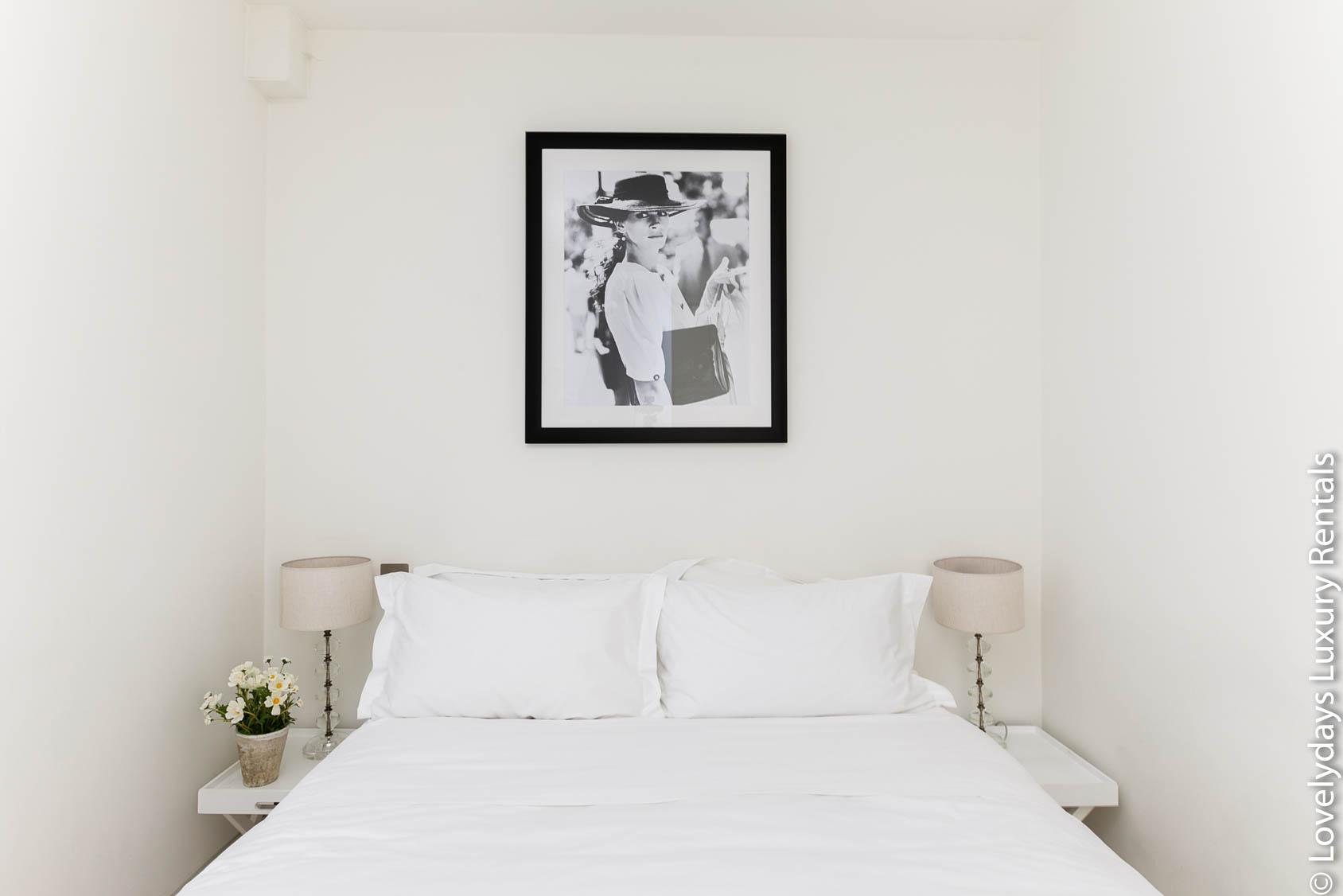 Lovelydays luxury service apartment rental - London - Fitzrovia - Foley Street - Lovelysuite - 2 bedrooms - 2 bathrooms - Double bed - 2a2a52eb533e - Lovelydays