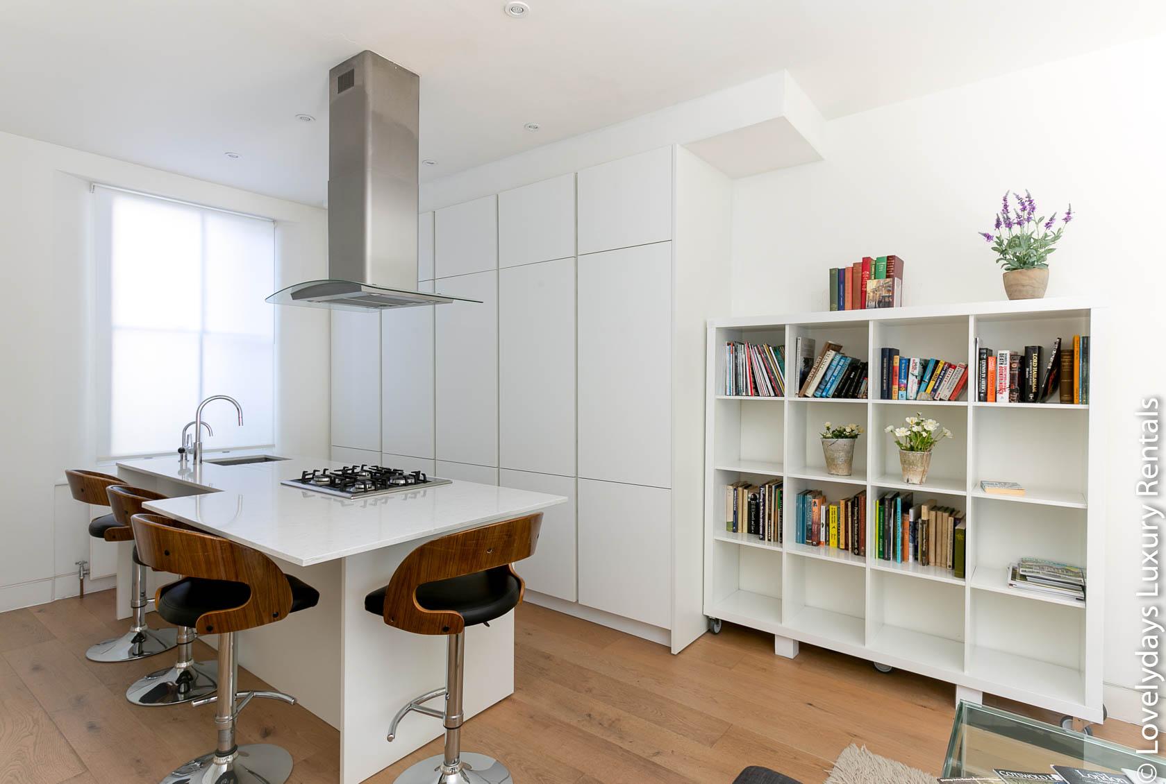 Lovelydays luxury service apartment rental - London - Fitzrovia - Foley Street - Lovelysuite - 2 bedrooms - 2 bathrooms - Luxury kitchen - 89ca0b31ccaa - Lovelydays