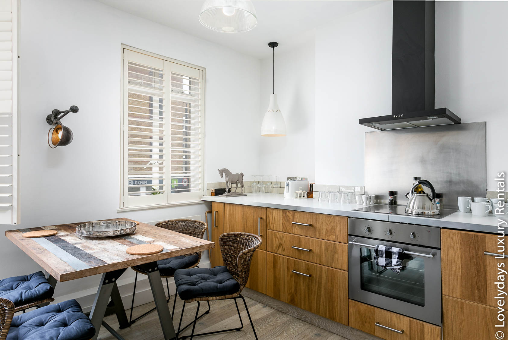 Lovelydays luxury service apartment rental - London - Fitzrovia - Goodge 55 - Lovelysuite - 2 bedrooms - 3 bathrooms - Luxury kitchen - 06727aaab1e2 - Lovelydays