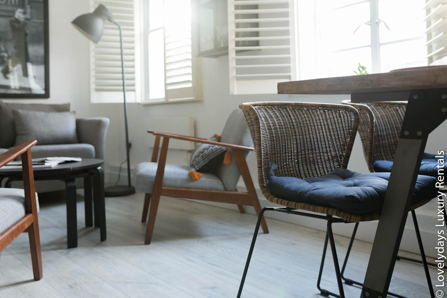 Lovelydays luxury service apartment rental - London - Fitzrovia - Goodge 55 - Lovelysuite - 2 bedrooms - 3 bathrooms - Working desk - 2e059cb5646d - Lovelydays