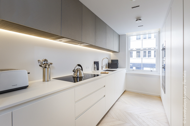 Lovelydays luxury service apartment rental - London - Fitzrovia - Goodge street - Lovelysuite - 2 bedrooms - 2 bathrooms - Luxury kitchen - f23f42fccf4c - Lovelydays