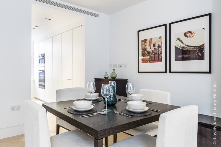 Lovelydays luxury service apartment rental - London - Fitzrovia - Goodge street - Lovelysuite - 2 bedrooms - 2 bathrooms - Dining living room - 1b7202148743 - Lovelydays