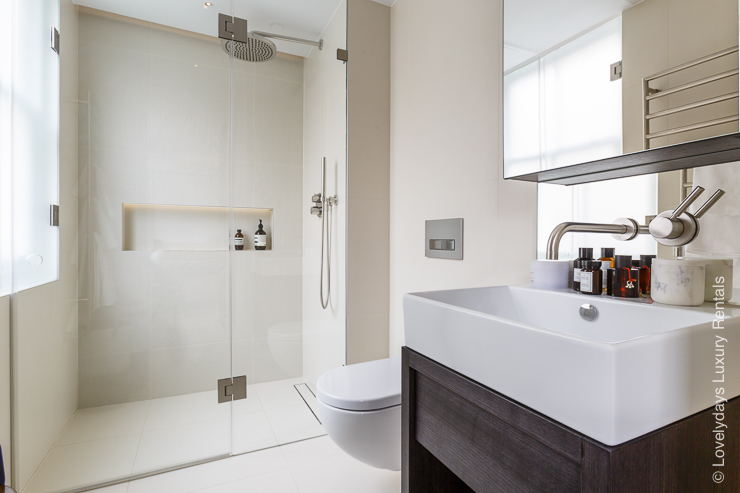 Lovelydays luxury service apartment rental - London - Fitzrovia - Goodge street II - Lovelysuite - 2 bedrooms - 2 bathrooms - Lovely shower - 854e07168450 - Lovelydays