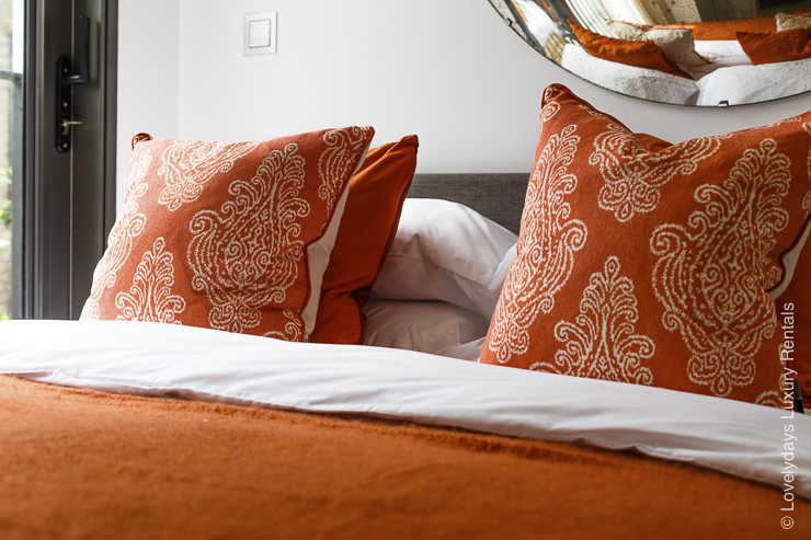 Lovelydays luxury service apartment rental - London - Fitzrovia - Goodge street II - Lovelysuite - 2 bedrooms - 2 bathrooms - Queen bed - daca87ad2460 - Lovelydays