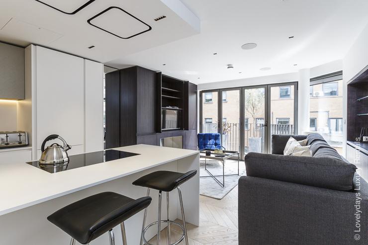 Lovelydays luxury service apartment rental - London - Fitzrovia - Goodge street III - Lovelysuite - 3 bedrooms - 2 bathrooms - Luxury living room - 659380f321b0 - Lovelydays