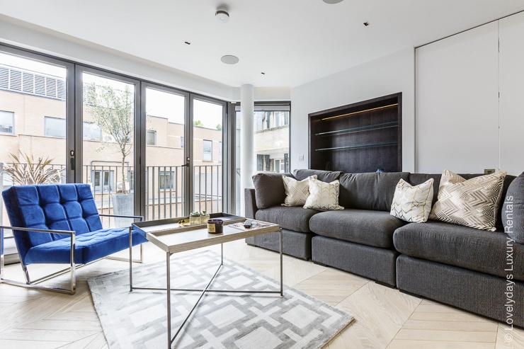Lovelydays luxury service apartment rental - London - Fitzrovia - Goodge street III - Lovelysuite - 3 bedrooms - 2 bathrooms - Luxury living room - b3da61883e3a - Lovelydays
