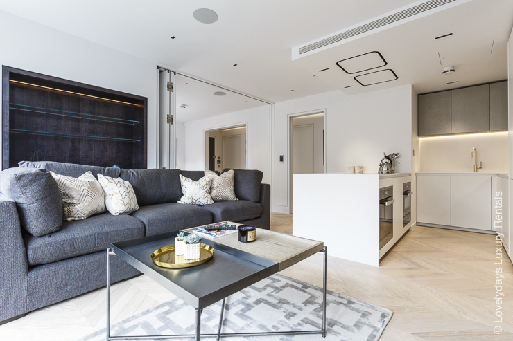 Lovelydays luxury service apartment rental - London - Fitzrovia - Goodge street III - Lovelysuite - 3 bedrooms - 2 bathrooms - Luxury living room - add1114ecedc - Lovelydays