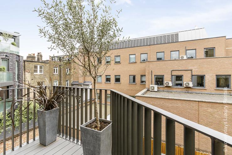 Lovelydays luxury service apartment rental - London - Fitzrovia - Goodge street III - Lovelysuite - 3 bedrooms - 2 bathrooms - Balcony - cb0bc36a386e - Lovelydays