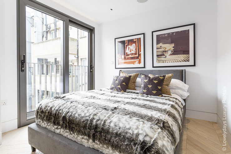 Lovelydays luxury service apartment rental - London - Fitzrovia - Goodge street III - Lovelysuite - 3 bedrooms - 2 bathrooms - King bed - 694a0ad6ece2 - Lovelydays