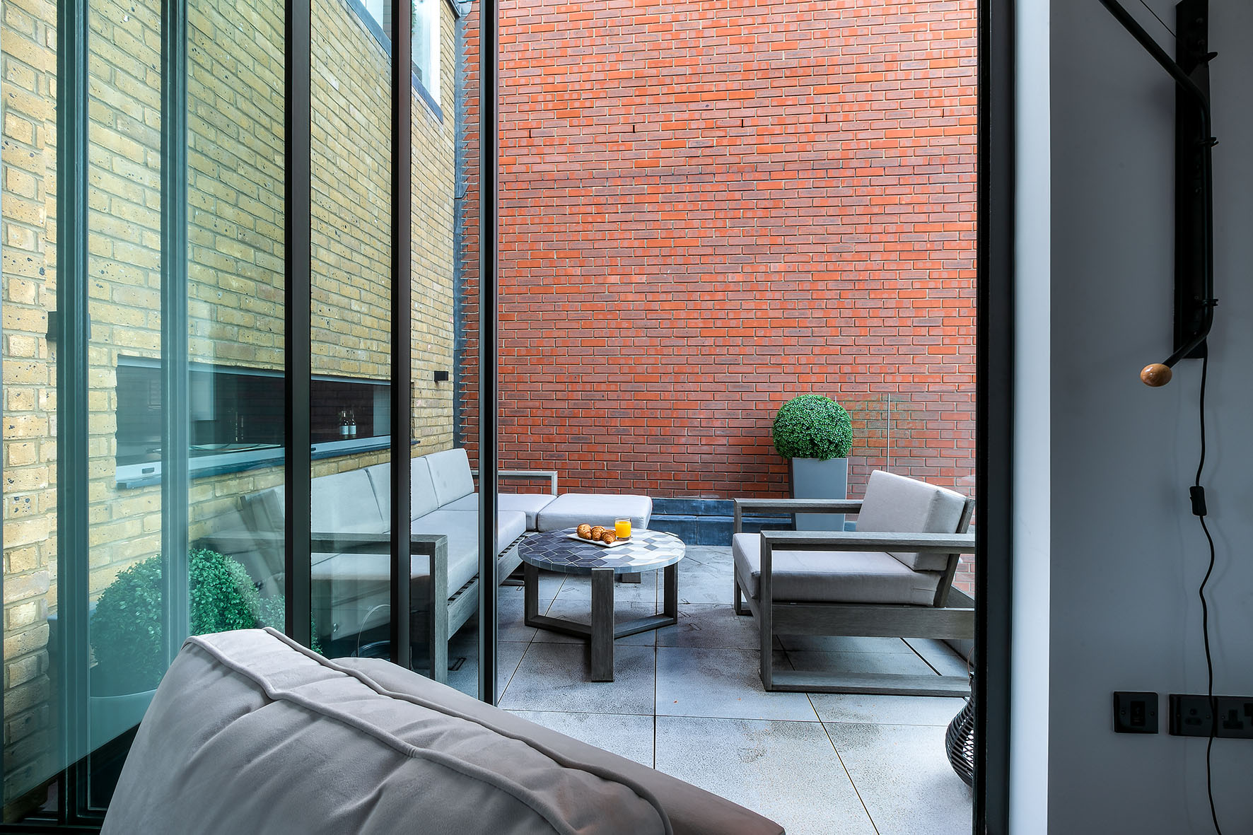 Lovelydays luxury service apartment rental - London - Soho - Great Marlborough St. IX - Lovelysuite - 2 bedrooms - 2 bathrooms - Huge terrace - 5 star apartment in london - ff5755f37086 - Lovelydays