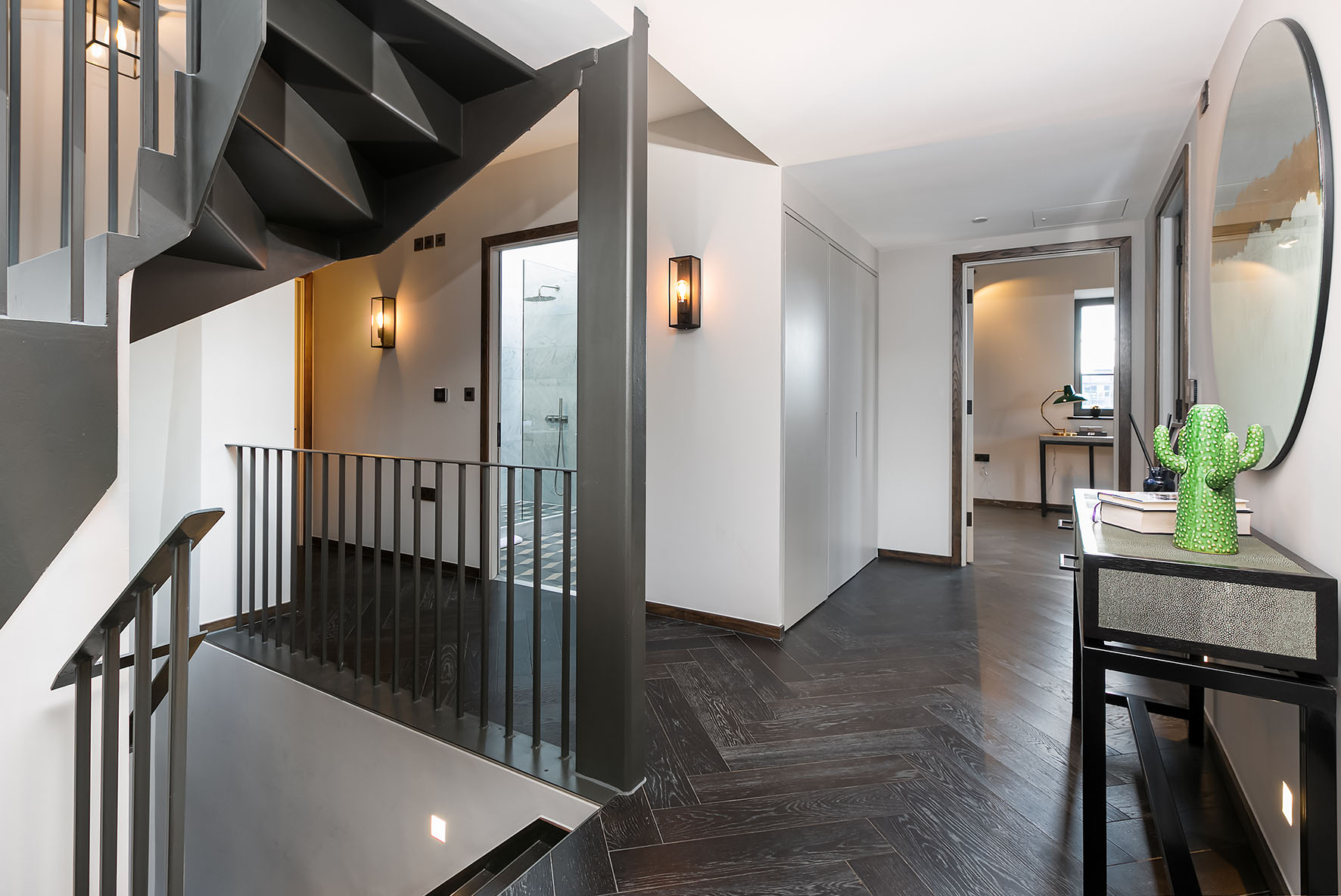 Lovelydays luxury service apartment rental - London - Soho - Great Marlborough St. IX - Lovelysuite - 2 bedrooms - 2 bathrooms - Hallway - 883eb391285b - Lovelydays
