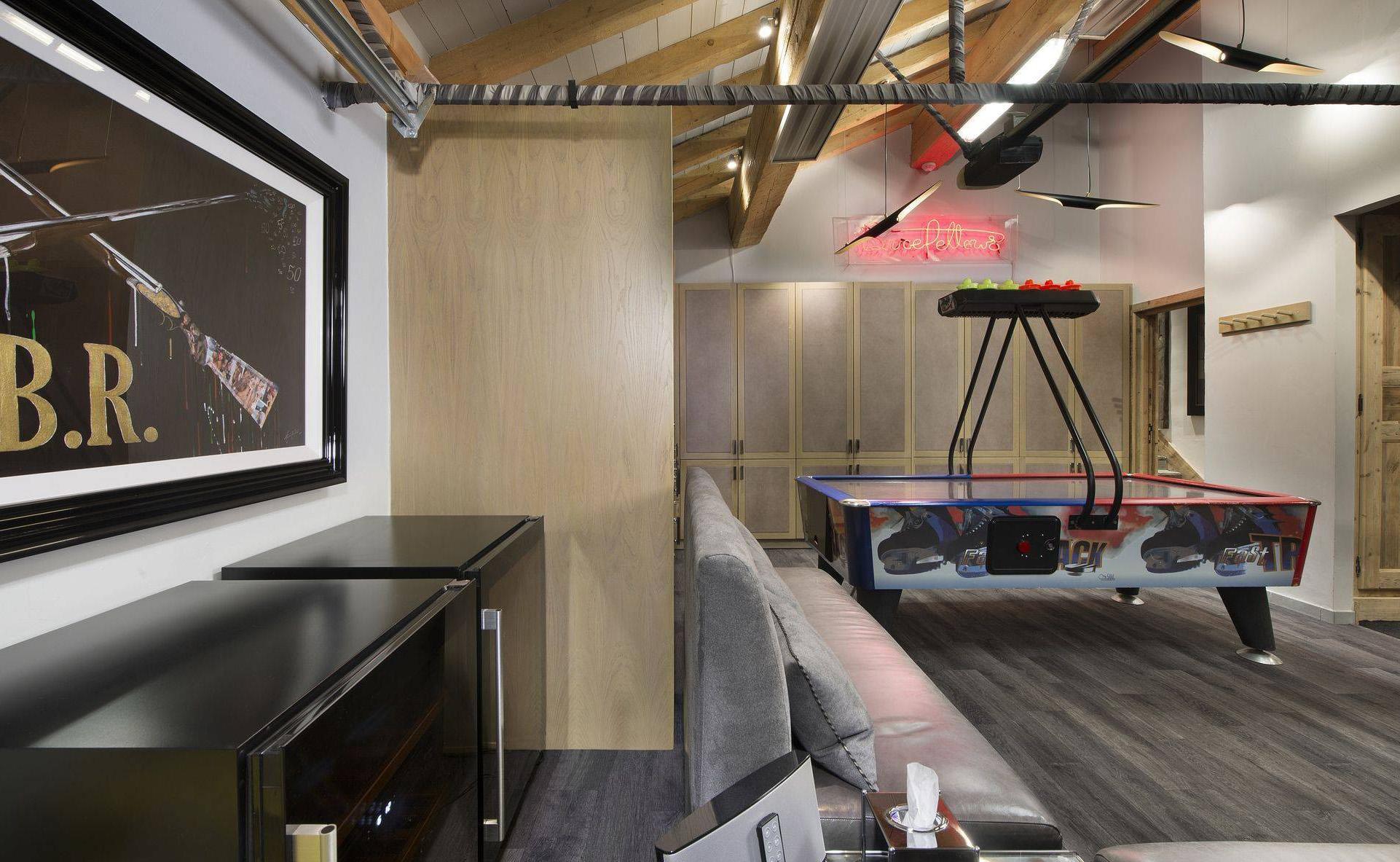 Lovelydays luxury service apartment rental - Courchevel - Great Roc Chalet - Partner - 7 bedrooms - 6 bathrooms - Children toys - 26102e4db340 - Lovelydays