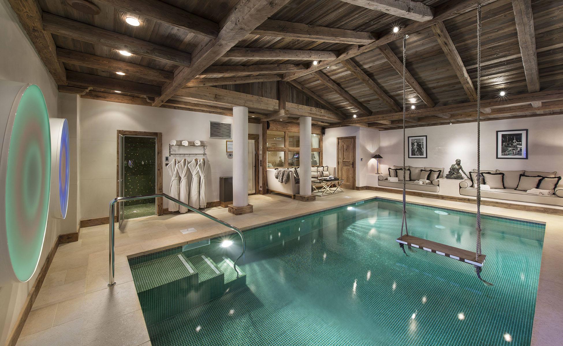 Lovelydays luxury service apartment rental - Courchevel - Great Roc Chalet - Partner - 7 bedrooms - 6 bathrooms - Inside pool - 6790920141e6 - Lovelydays