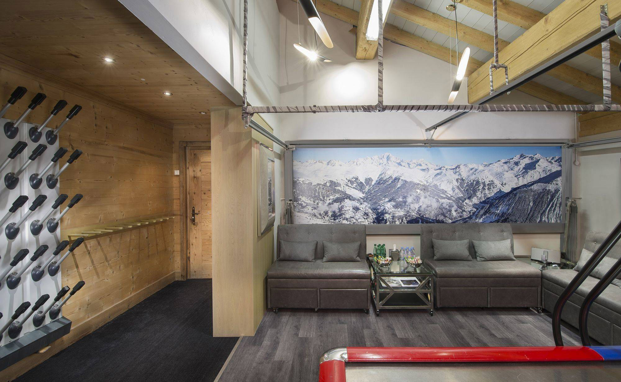 Lovelydays luxury service apartment rental - Courchevel - Great Roc Chalet - Partner - 7 bedrooms - 6 bathrooms - Comfortable sofa - d3aff5658a0b - Lovelydays