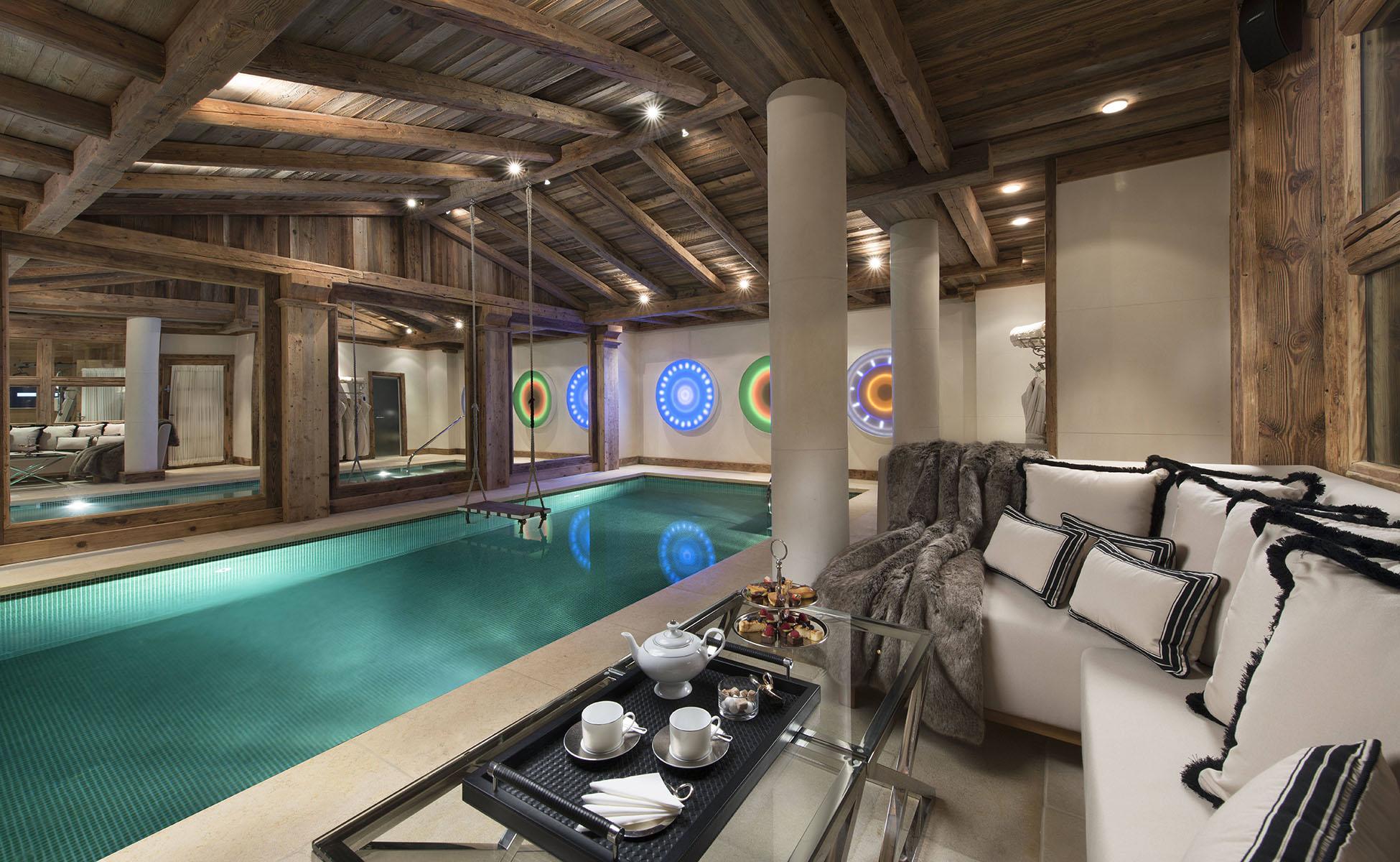 Lovelydays luxury service apartment rental - Courchevel - Great Roc Chalet - Partner - 7 bedrooms - 6 bathrooms - Inside pool - 7fdd20d143a4 - Lovelydays