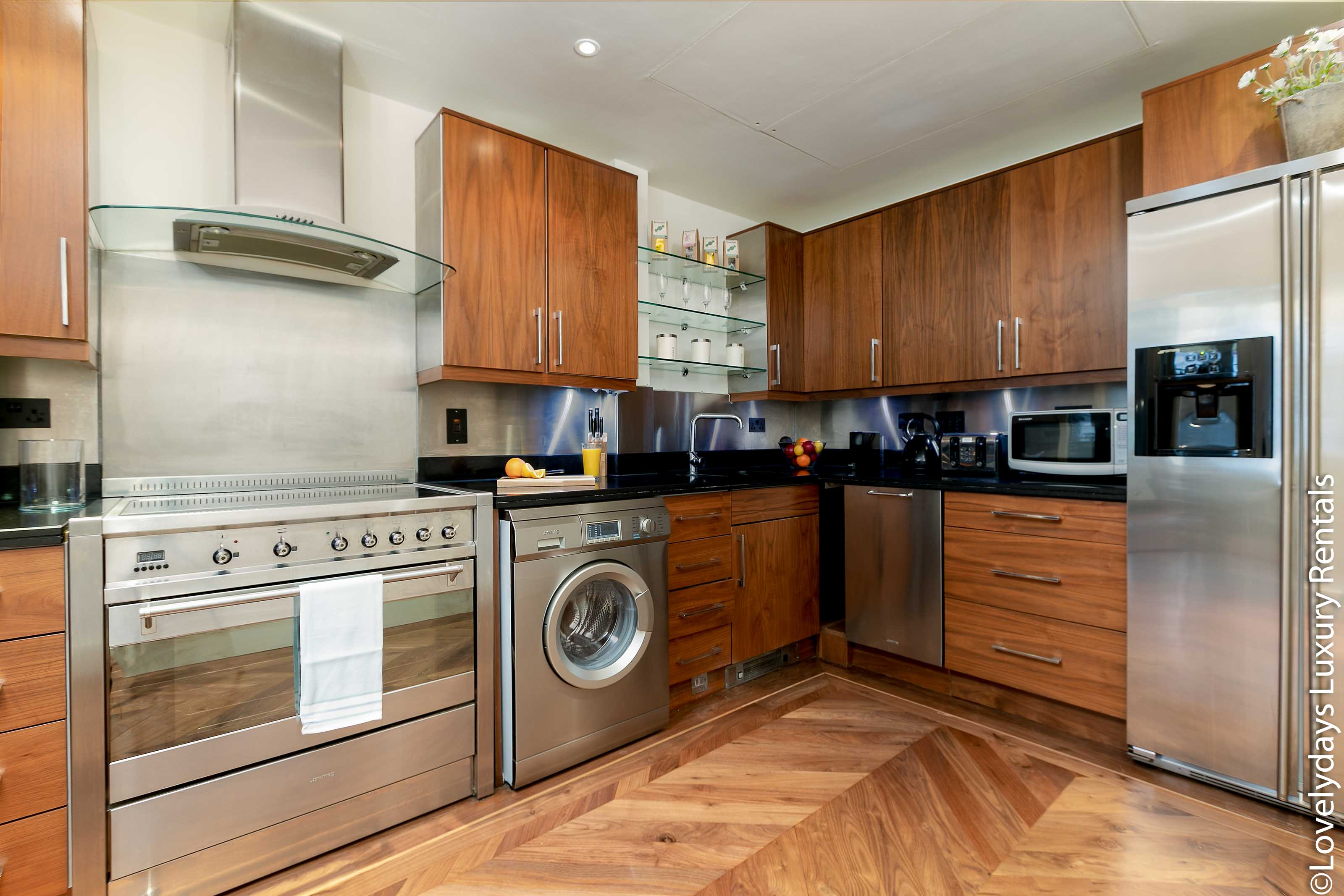 Lovelydays luxury service apartment rental - London - Knightsbridge - Hans Crescent - Partner - 2 bedrooms - 2 bathrooms - Luxury kitchen - 885a1fce5208 - Lovelydays
