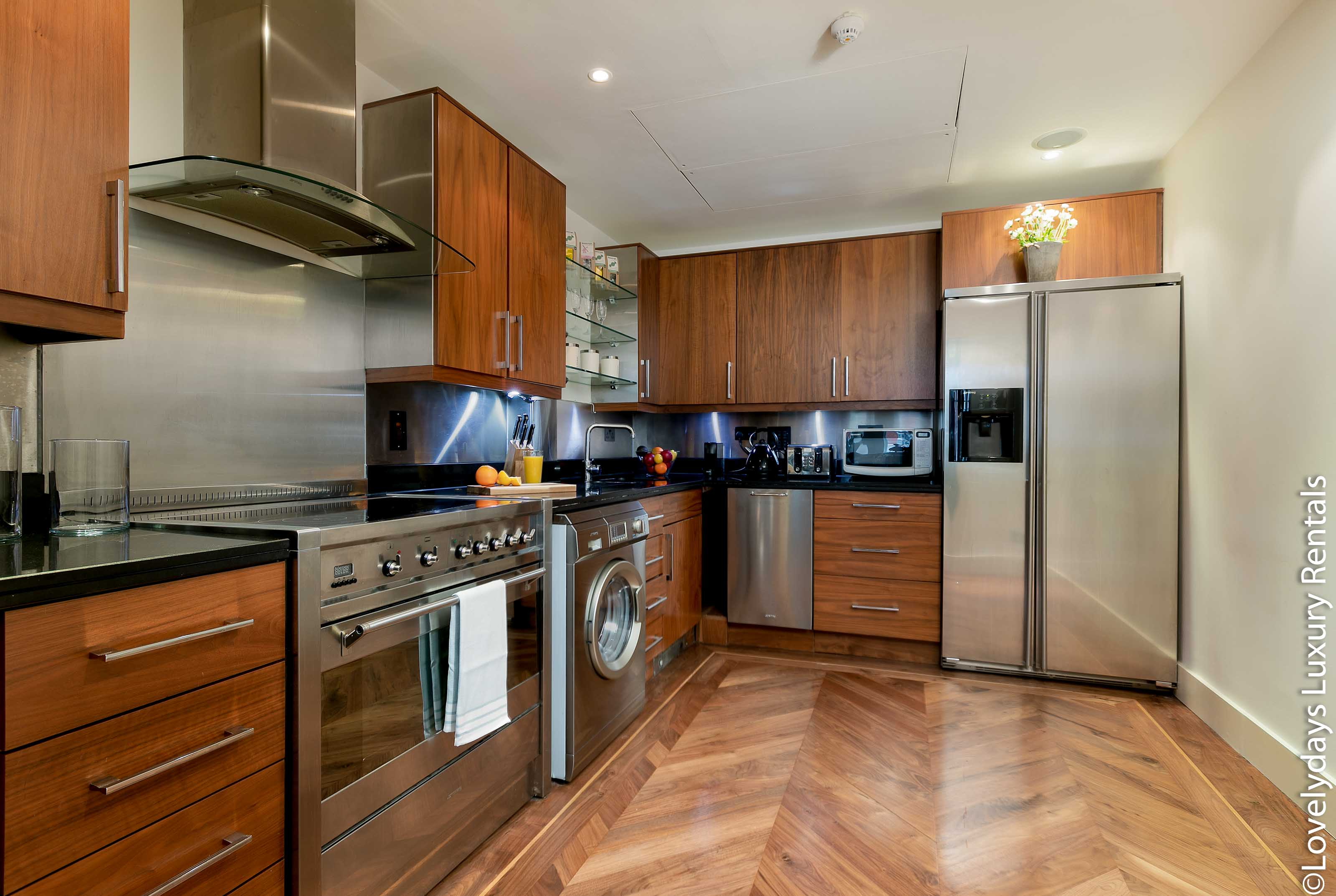 Lovelydays luxury service apartment rental - London - Knightsbridge - Hans Crescent - Partner - 2 bedrooms - 2 bathrooms - Luxury kitchen - 74652adaadbd - Lovelydays