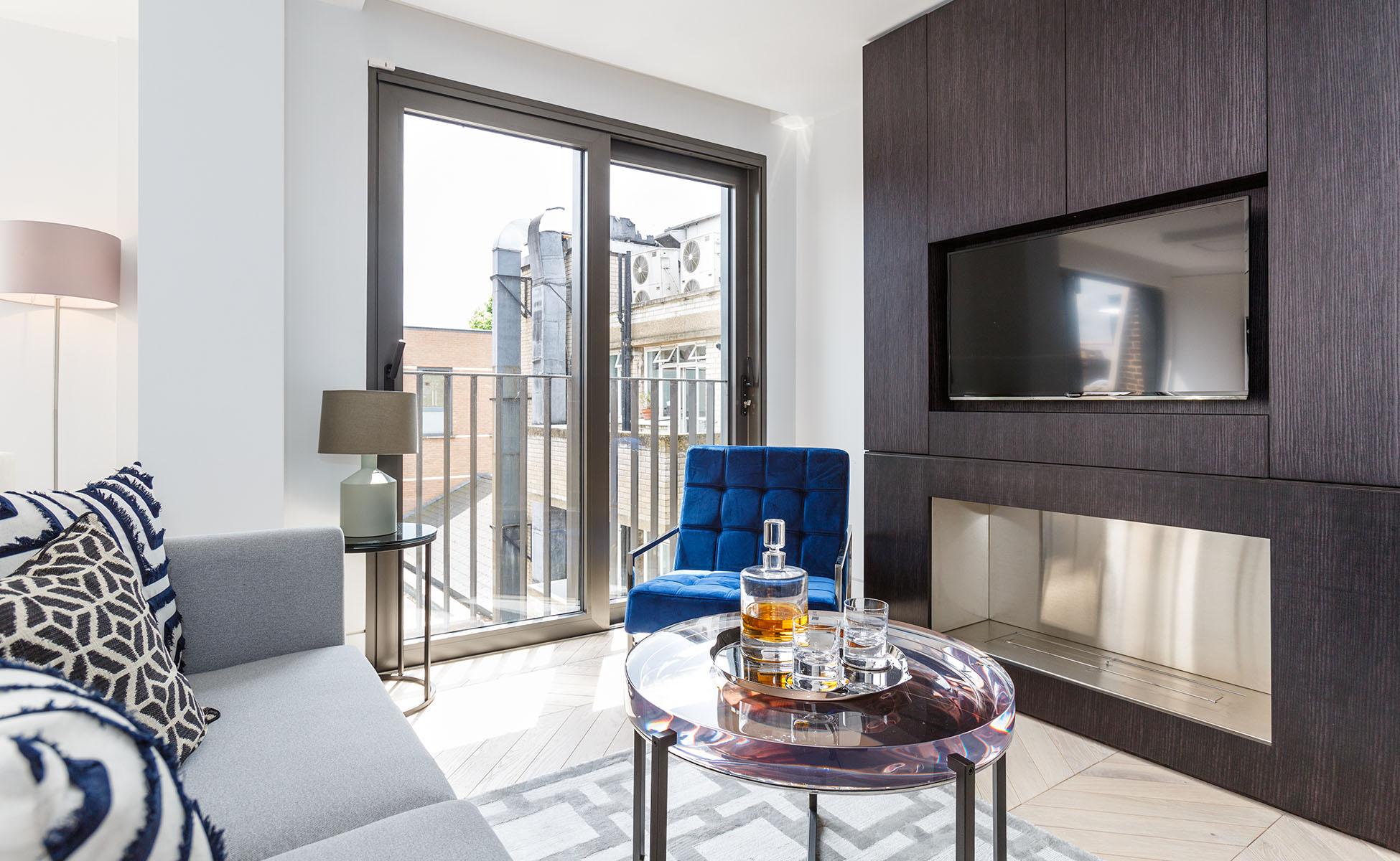Lovelydays luxury service apartment rental - London - Fitzrovia - Newman Street IV - Lovelysuite - 2 bedrooms - 2 bathrooms - Luxury living room - rent luxury apartment london - 3d0ab947f657 - Lovelydays