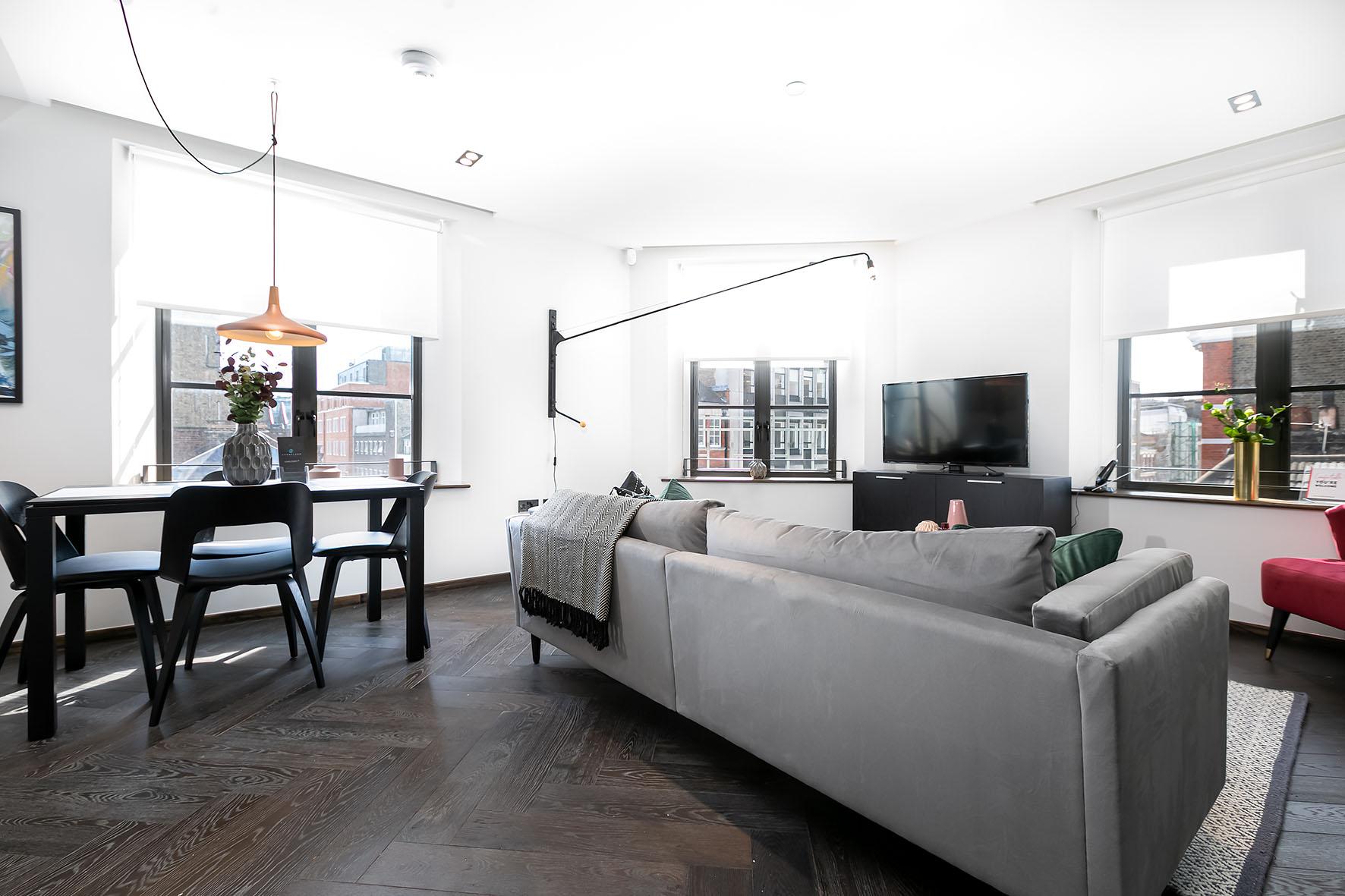 Lovelydays luxury service apartment rental - London - Soho - Noel Street VI - Lovelysuite - 2 bedrooms - 2 bathrooms - Luxury living room - e31ede8e8463 - Lovelydays