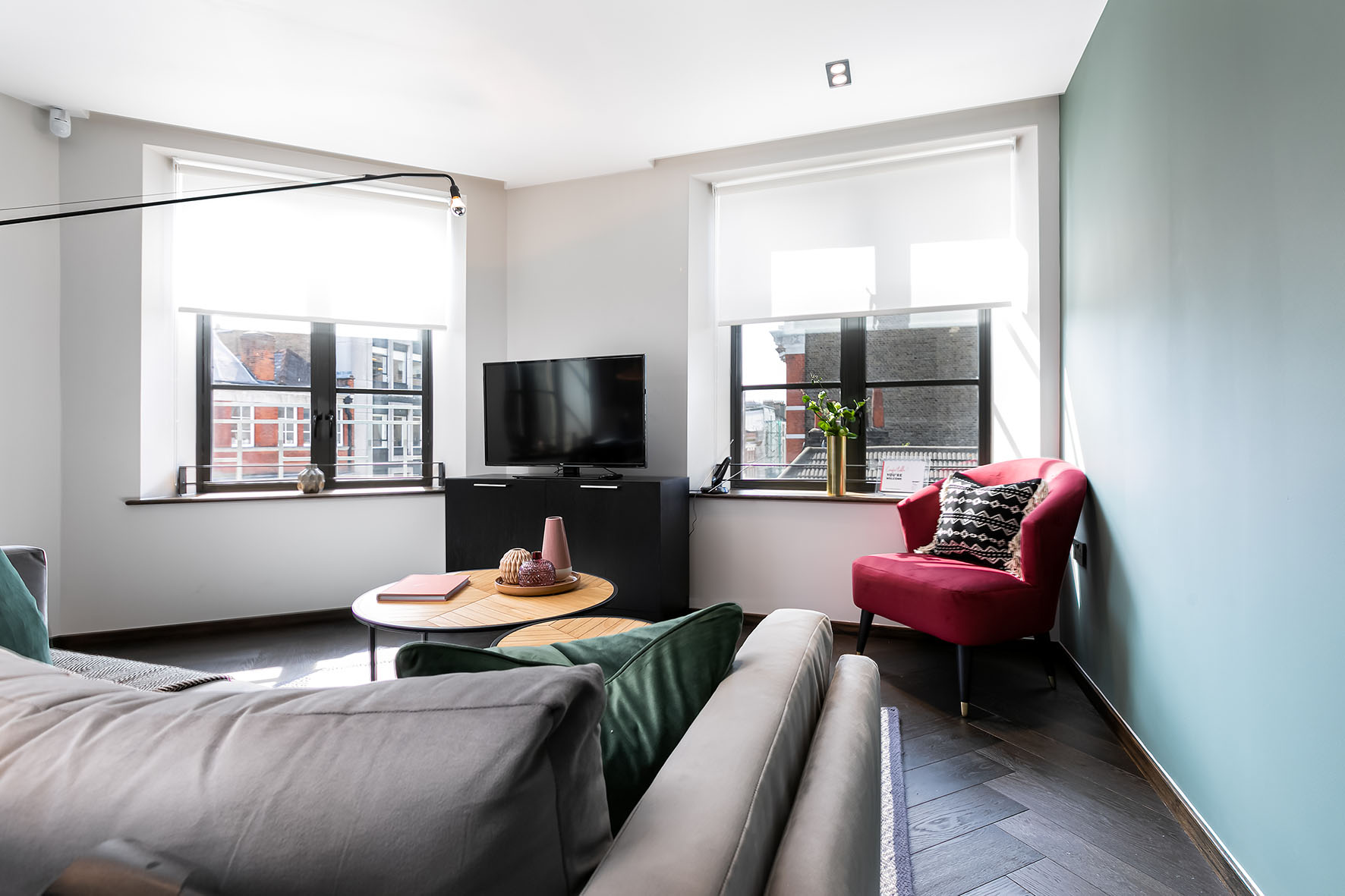 Lovelydays luxury service apartment rental - London - Soho - Noel Street VI - Lovelysuite - 2 bedrooms - 2 bathrooms - Luxury living room - 014fc1126ce2 - Lovelydays