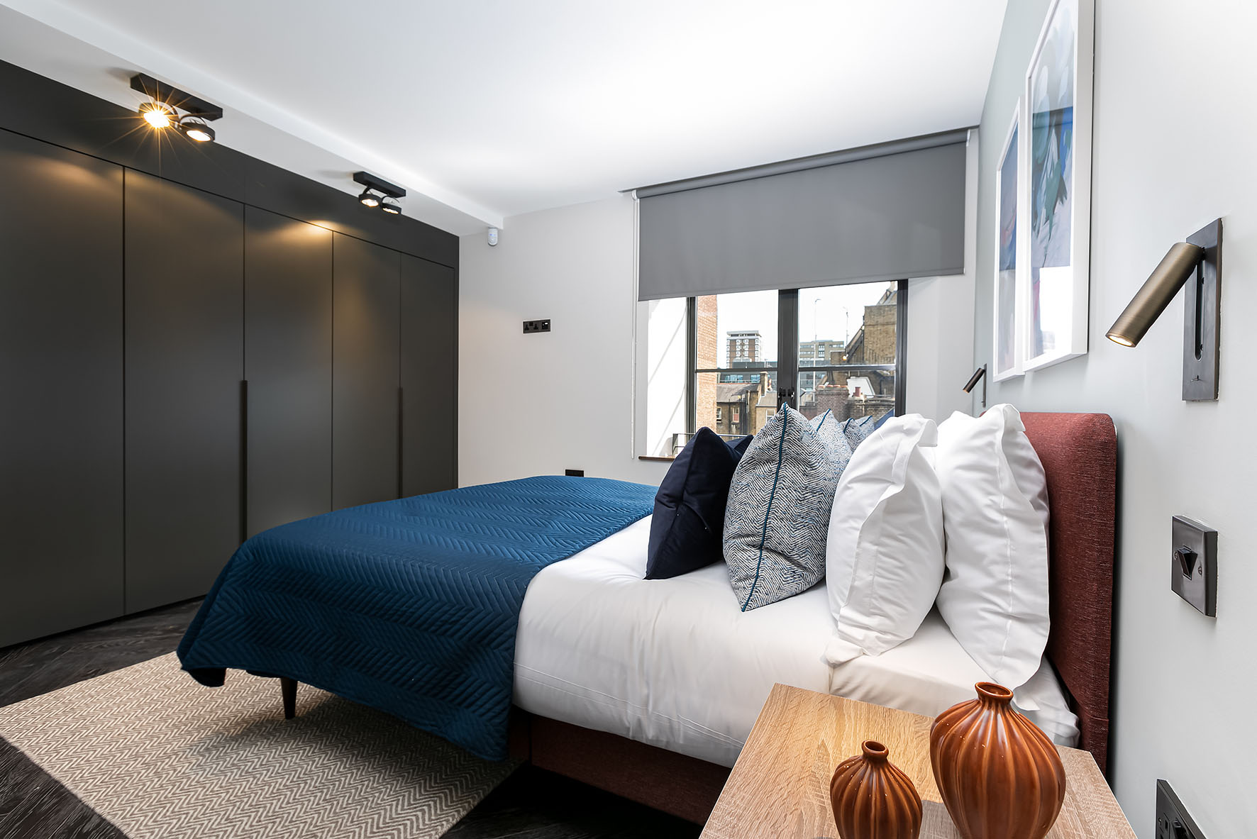 Lovelydays luxury service apartment rental - London - Soho - Noel Street VI - Lovelysuite - 2 bedrooms - 2 bathrooms - Queen bed - 4d8f8a65bcd5 - Lovelydays