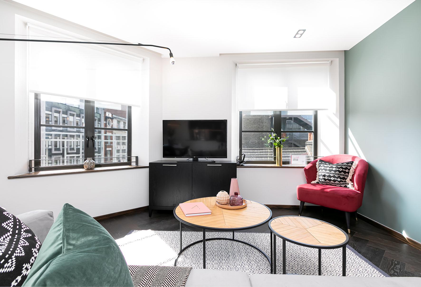 Lovelydays luxury service apartment rental - London - Soho - Noel Street VI - Lovelysuite - 2 bedrooms - 2 bathrooms - Luxury living room - 03c221f5dd76 - Lovelydays