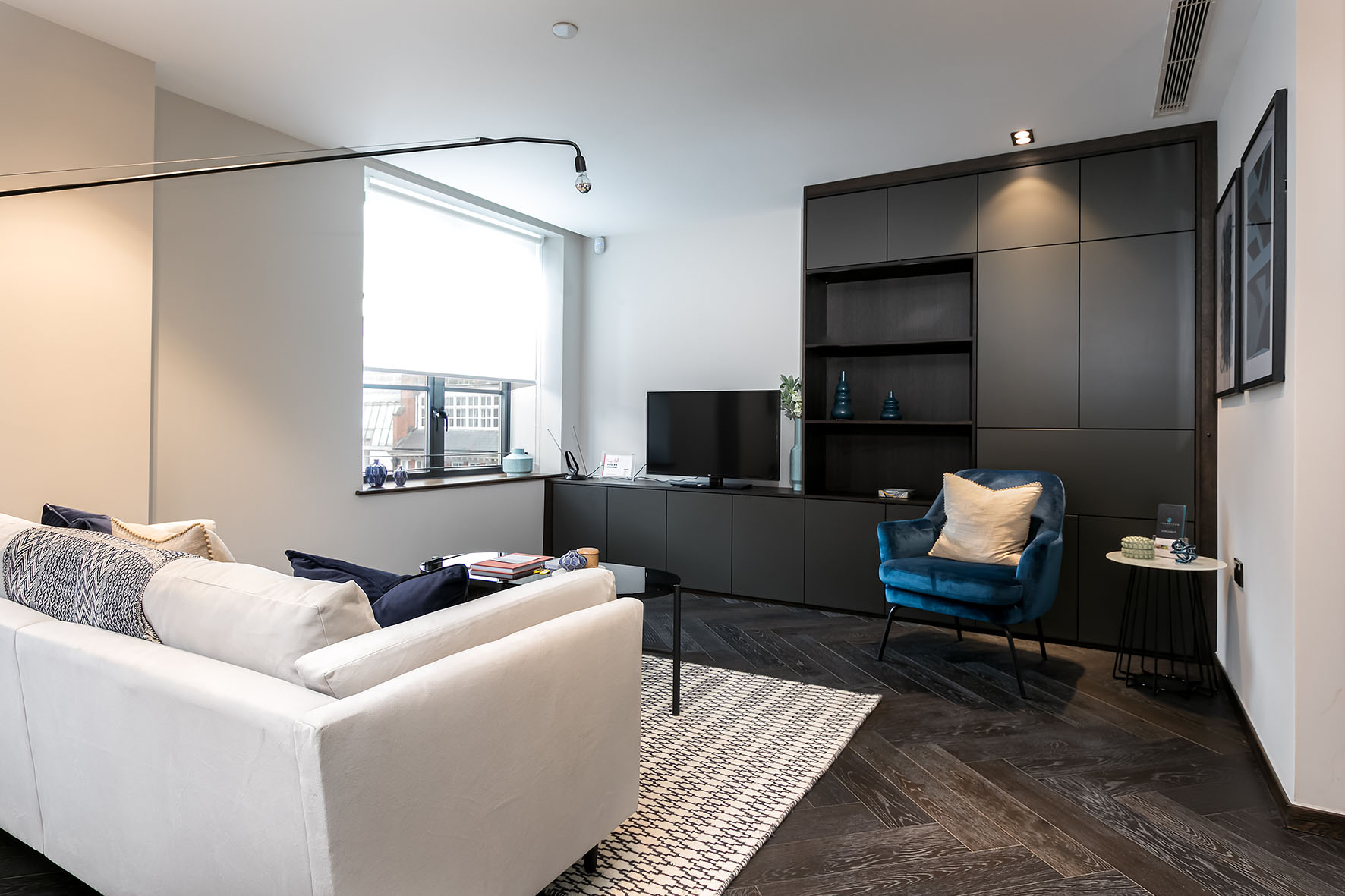 Lovelydays luxury service apartment rental - London - Soho - Noel Street VII - Lovelysuite - 1 bedrooms - 1 bathrooms - Luxury living room - 5c5e78d374e8 - Lovelydays