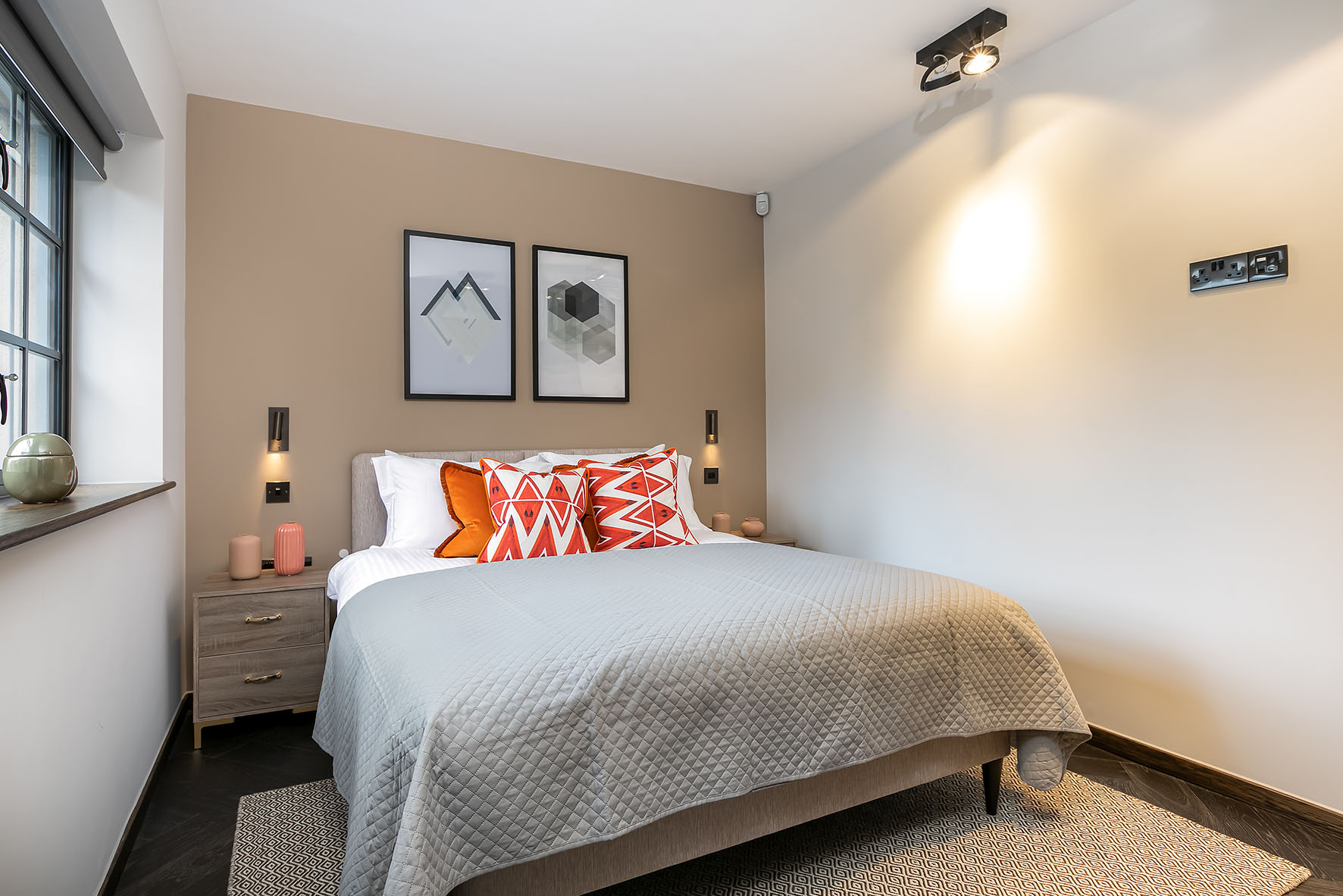 Lovelydays luxury service apartment rental - London - Soho - Noel Street VII - Lovelysuite - 1 bedrooms - 1 bathrooms - Queen bed - 6fc784966613 - Lovelydays