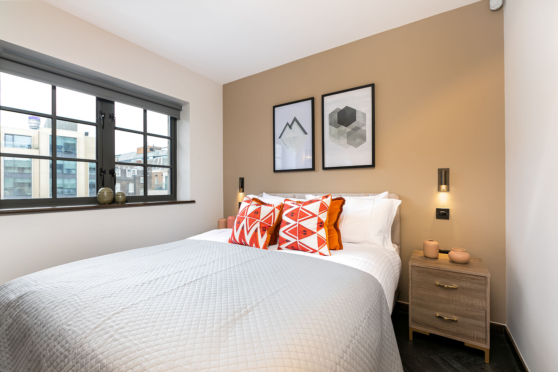 Lovelydays luxury service apartment rental - London - Soho - Noel Street VII - Lovelysuite - 1 bedrooms - 1 bathrooms - Queen bed - 826167cfa46e - Lovelydays