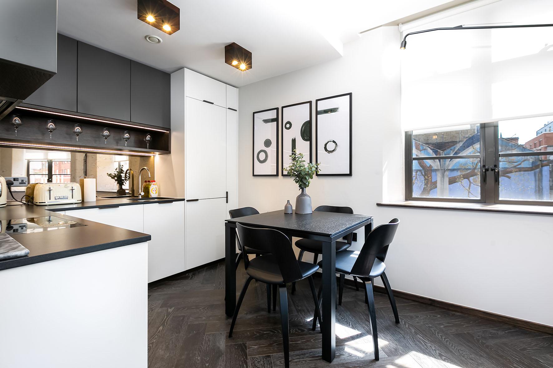 Lovelydays luxury service apartment rental - London - Soho - Oxford Street IV - Lovelysuite - 2 bedrooms - 2 bathrooms - Luxury kitchen - 8d278bff44ce - Lovelydays