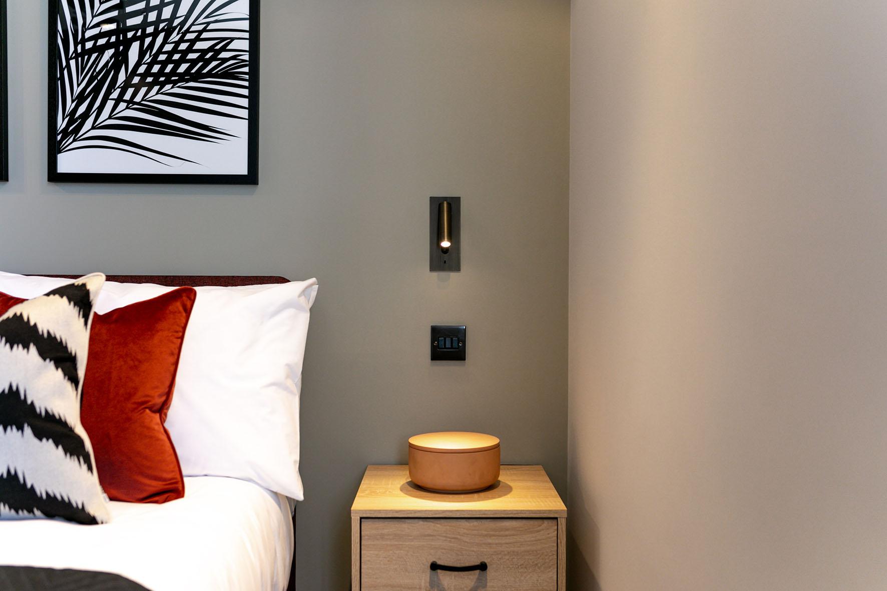 Lovelydays luxury service apartment rental - London - Soho - Oxford Street IV - Lovelysuite - 2 bedrooms - 2 bathrooms - Queen bed - ce0554510528 - Lovelydays