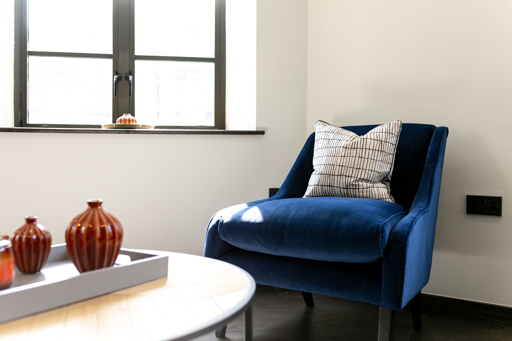 Lovelydays luxury service apartment rental - London - Soho - Oxford Street IV - Lovelysuite - 2 bedrooms - 2 bathrooms - Design - 7a315343cd66 - Lovelydays