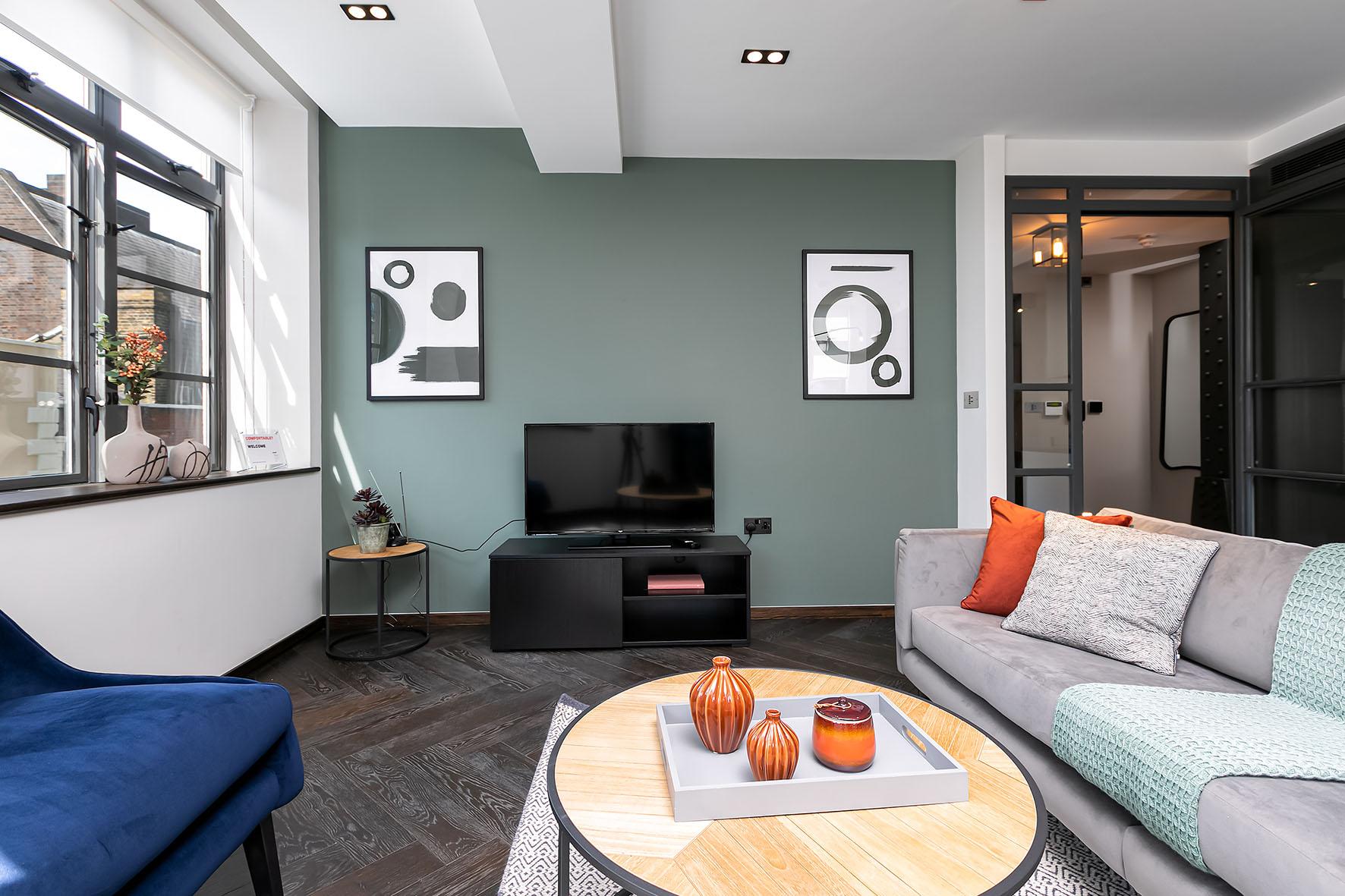 Lovelydays luxury service apartment rental - London - Soho - Oxford Street IV - Lovelysuite - 2 bedrooms - 2 bathrooms - Luxury living room - f80c97ab74c5 - Lovelydays