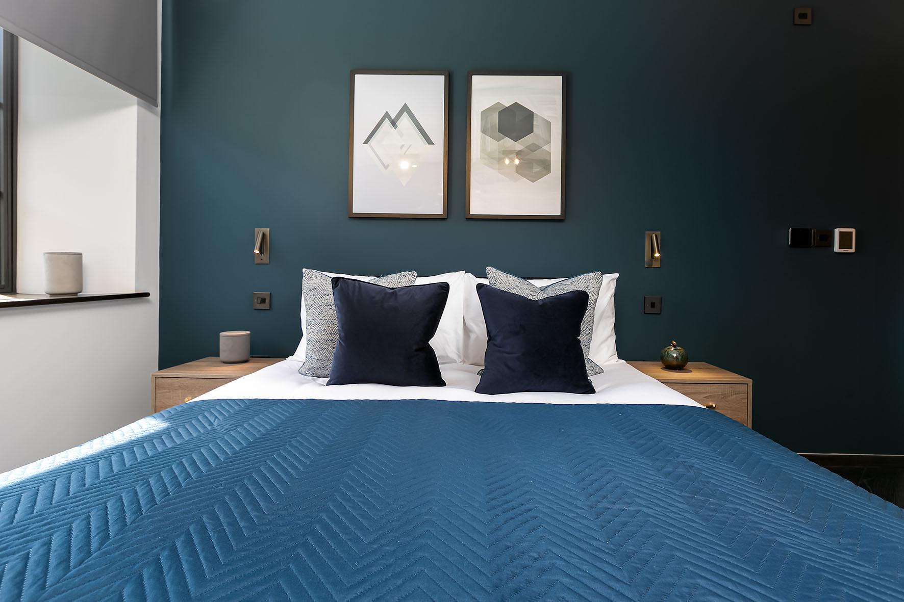 Lovelydays luxury service apartment rental - London - Soho - Oxford Street IV - Lovelysuite - 2 bedrooms - 2 bathrooms - Queen bed - dc8aa880e281 - Lovelydays