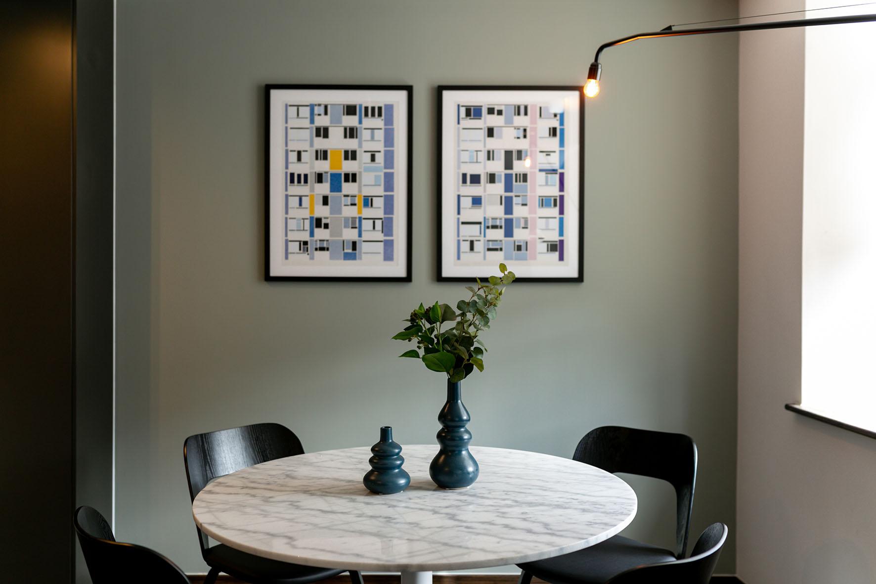 Lovelydays luxury service apartment rental - London - Soho - Oxford Street V - Lovelysuite - 1 bedrooms - 1 bathrooms - Dining living room - 224b727407c3 - Lovelydays