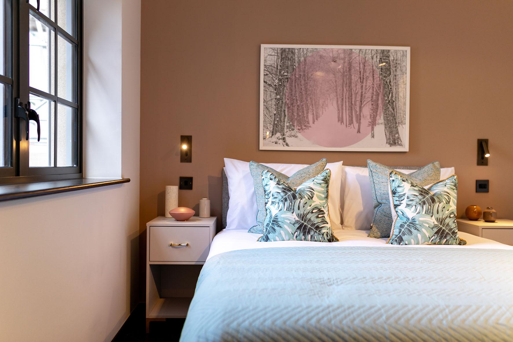 Lovelydays luxury service apartment rental - London - Soho - Oxford Street V - Lovelysuite - 1 bedrooms - 1 bathrooms - Queen bed - cac821c13c83 - Lovelydays