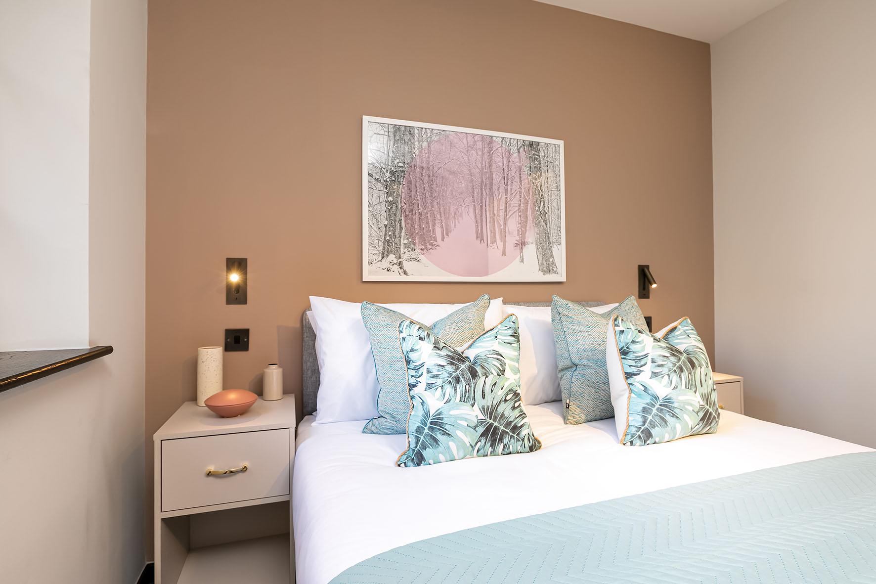 Lovelydays luxury service apartment rental - London - Soho - Oxford Street V - Lovelysuite - 1 bedrooms - 1 bathrooms - Queen bed - e99a090e814d - Lovelydays