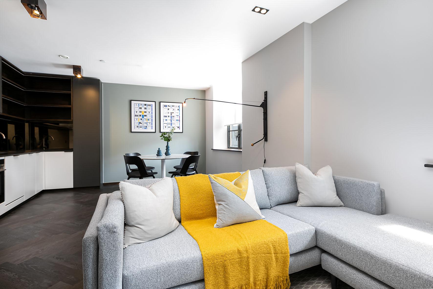 Lovelydays luxury service apartment rental - London - Soho - Oxford Street V - Lovelysuite - 1 bedrooms - 1 bathrooms - Luxury living room - 10360af0ee8f - Lovelydays