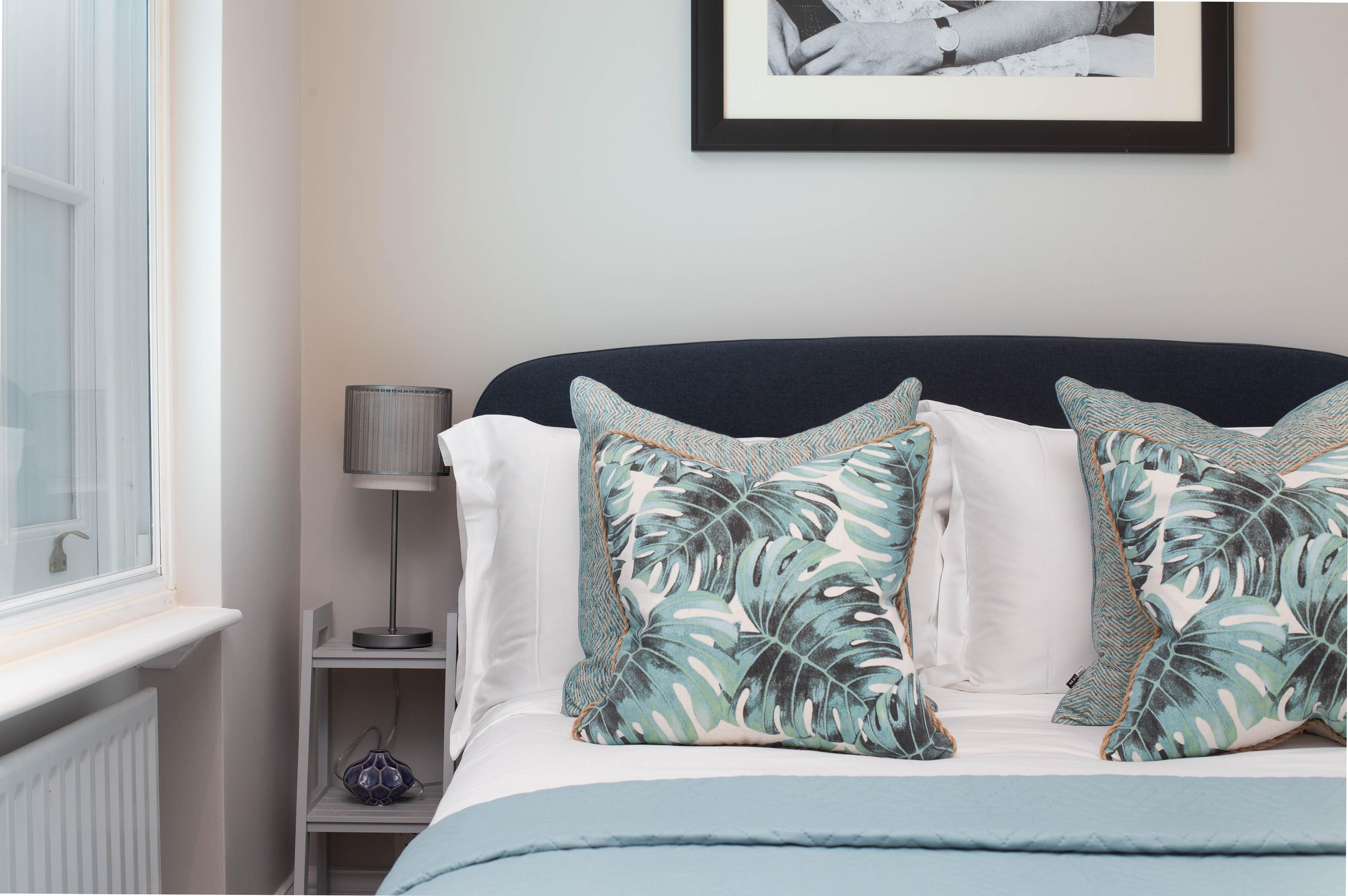 <p>Lovelydays Luxury Rentals introduce you pictures of a charming house in the heart of St. James's</p>